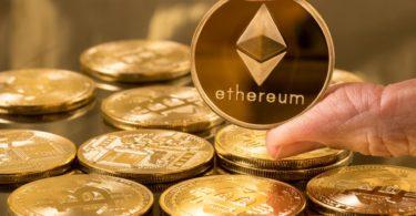 Ethereum (ETH) stabile sopra $210