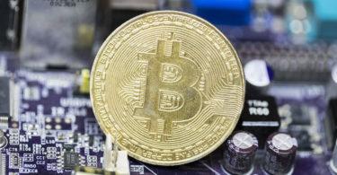 Il Bitcoin vola oltre $10.000
