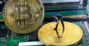 Bitcoin BTC vantaggi Mining