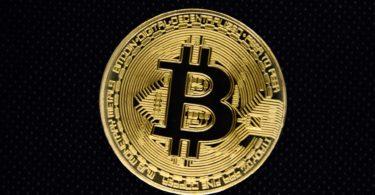 Bitcoin verso 17.500 dollari