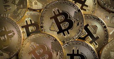 Bitcoin sopra 30.000 dollari