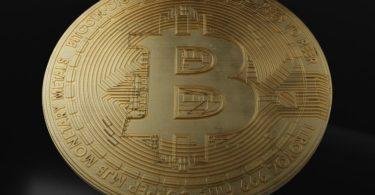 Bitcoin recupera terreno