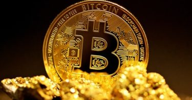 bitcoin corre verso i 180000 dollari